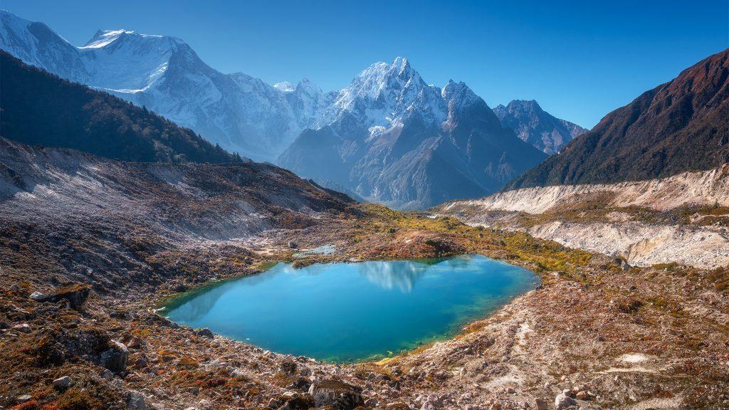 Virtual background mountains